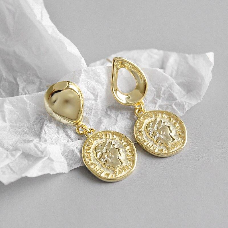 [해외]925 sterling silver earrings jewelry Glossy Hollow Drops Character Queen King Head Coin Drop Earrings white gold Yellow gold /925 sterling silver