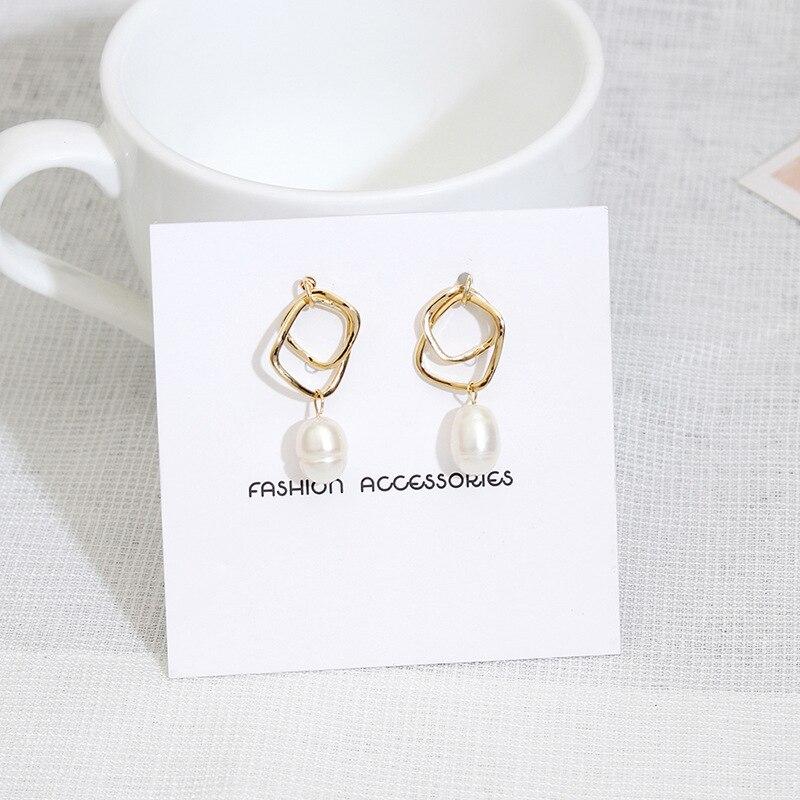 [해외]2018 Fashion Woman Modern Earrings Geometric Stud Earrings Pearl Earrings Fashion Jewelry HK112/2018 Fashion Woman Modern Earrings Geometric Stud