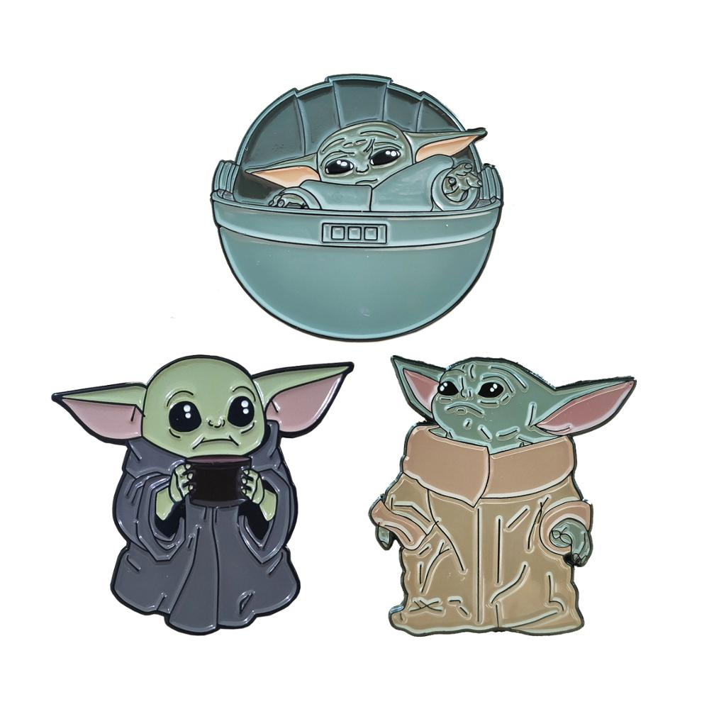 [해외]The Mandalorian baby yoda Helmet hard enamel pin badge brooch/The Mandalorian baby yoda Helmet hard enamel pin badge brooch