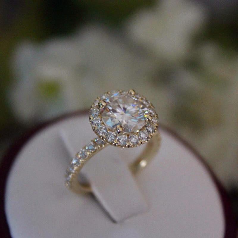 [해외]Female Crystal Zircon Cocktail Ring Luxury Fashion Gold Color Wedding Band Jewelry Promise White Engagement Rings For Women/Female Crystal Zircon