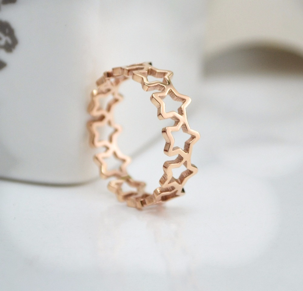 [해외]/Fashion Titanium steel Stainless steel  Rose  Gold Color pentagram Hollow ring,High quality finger ring,