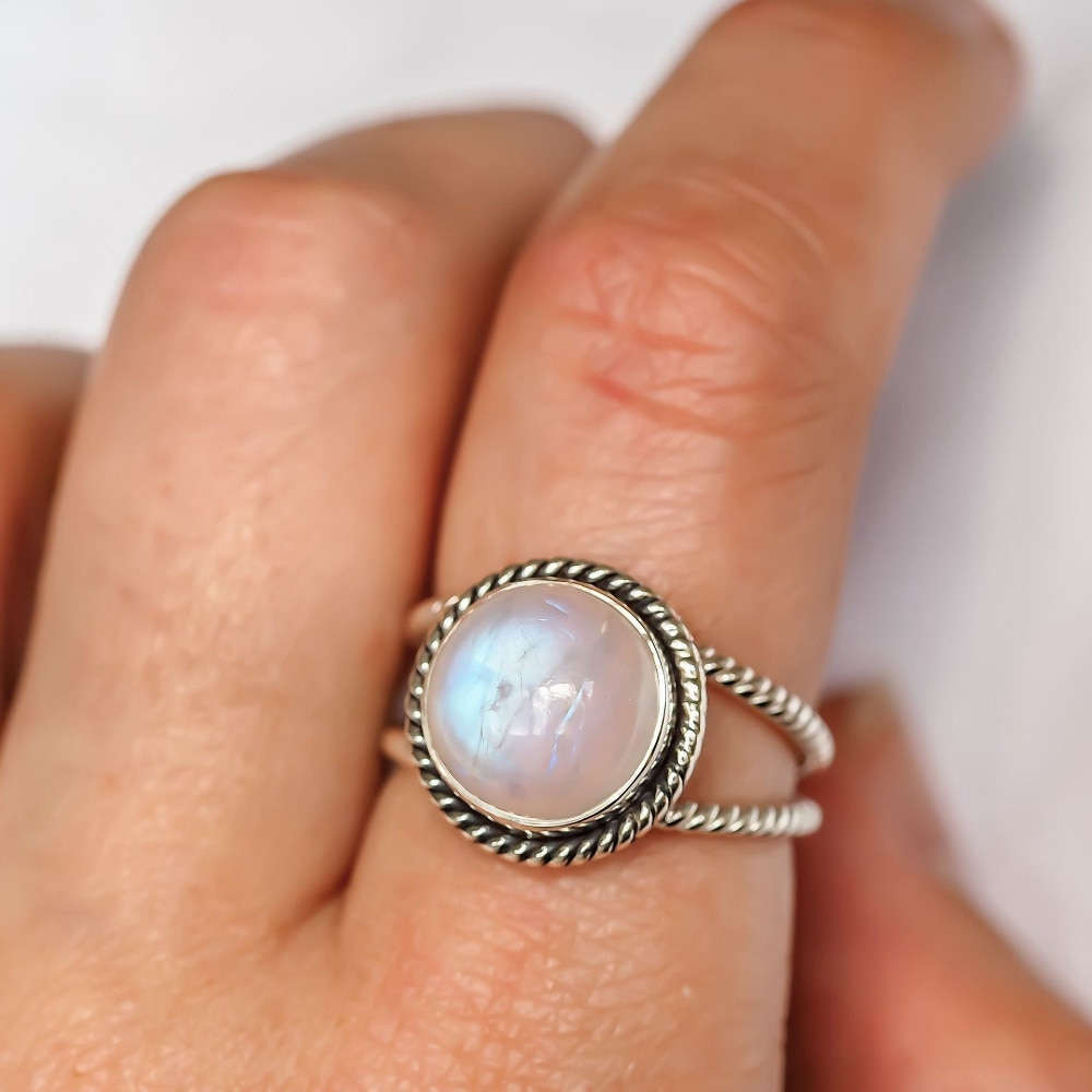 [해외]/Fashion Punk Style Moonstone Rings Vintage Round Wedding Engagement Rings Thai Silver Jewelry for Women