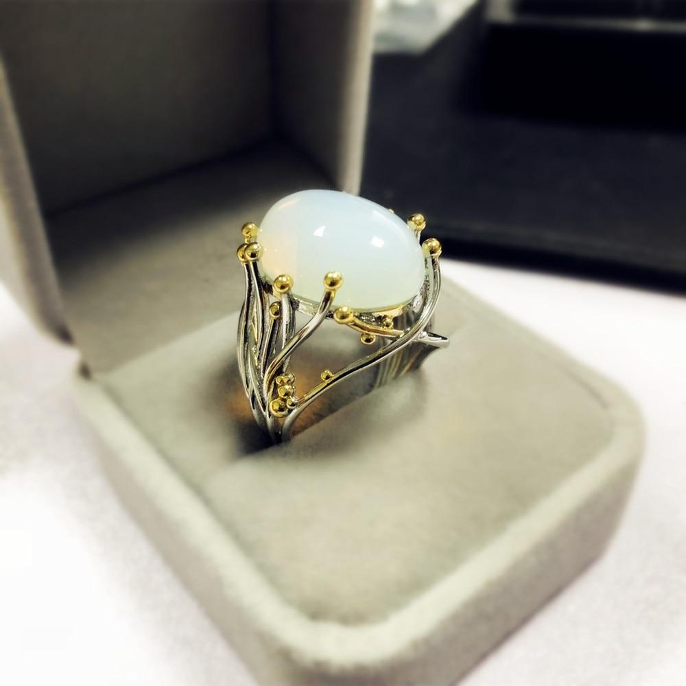 [해외] Women`s Vintage Moonstone Rings for Retro Engagement Jewelry Gifts Beauty Ladies Gold Plating Rings Christmas Gifts/ Women`s Vintage Moonstone Ri
