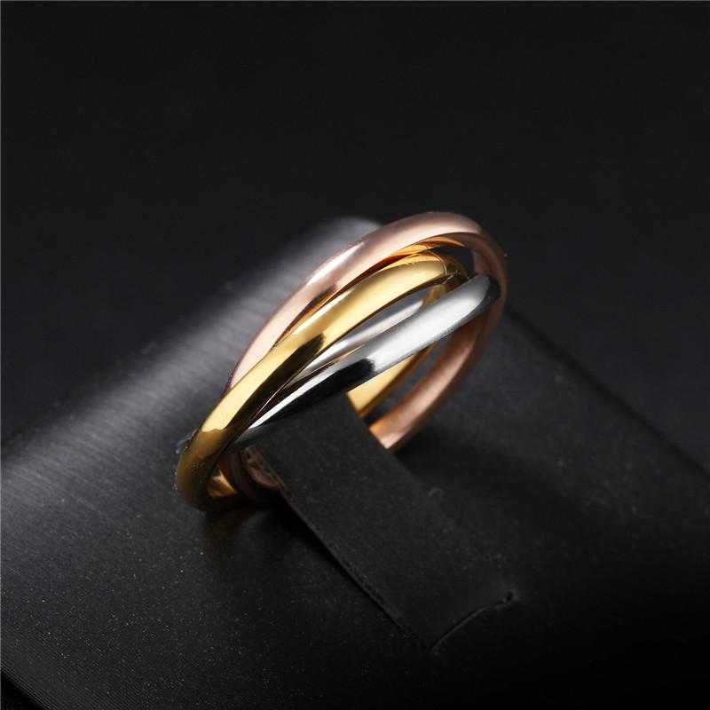 [해외]패션 클래식 크리 에이 티브 트리니티 반지 3 링 와인딩 반지 여성 & s 스테인리스 3 컬러 트리니티 롤링 웨딩 밴드 반지/Fashion Classic Creative Trinity Ring Three Ring Winding Ring Women&s St