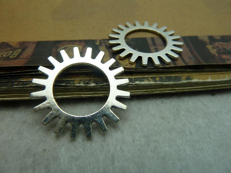 [해외]20Pcs 골동품 은색 시계 기어 매력 펜던트 쥬얼리 만들기/20Pcs Antique Silver Clock Gear Charm Pendant Jewelry Making